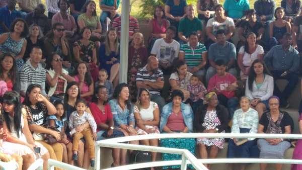 Cultos de Batismo da Igreja Cristã Maranata - galerias/4590/thumbs/11.jpg