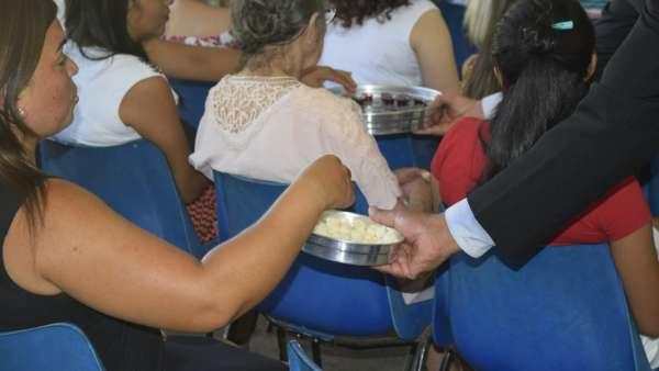 Cultos de Batismo da Igreja Cristã Maranata - galerias/4590/thumbs/18.jpg