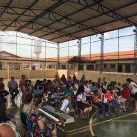 Evangelização de crianças em escola de Paracatu - MG